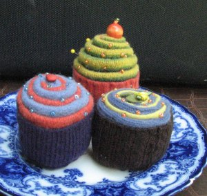 three-cupcake-pin-cushions