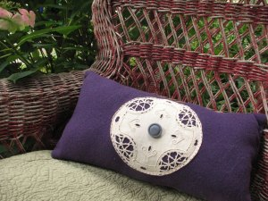purple-pillow-doily