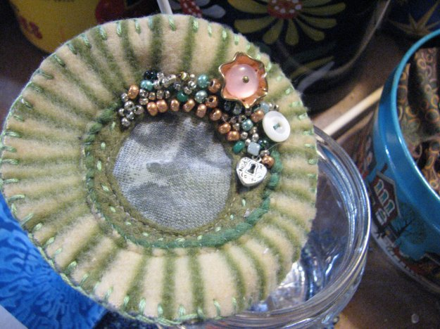 sundial-face-with-beads
