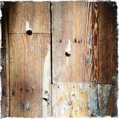 pine-floorboards-deemallon